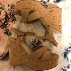 Flower Embroidered Wedges